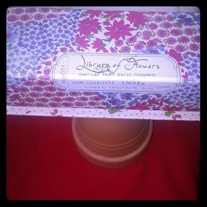 Library of Flowers Boxed Hand Cream